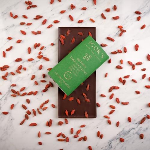 Шоколад без сахара с ягодами годжи